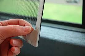 Biện pháp phòng tránh muỗi bẳng cửa lưới chống muỗi  tự cuốn