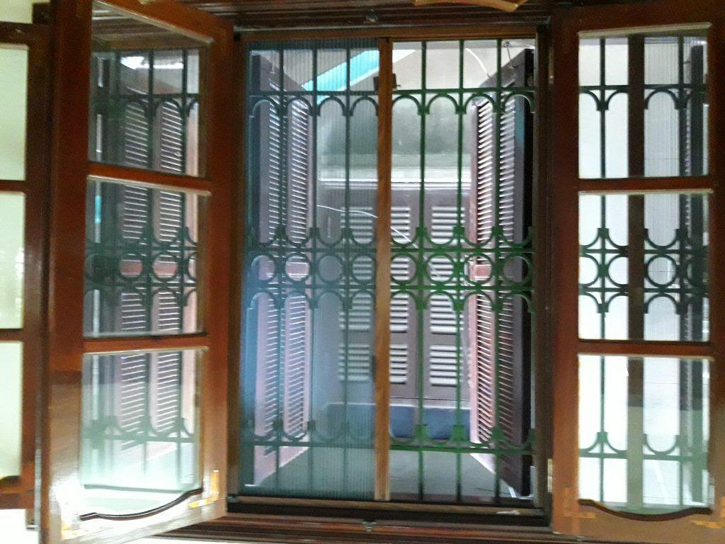 Cách làm cửa lưới chống muỗi cho cửa sổ