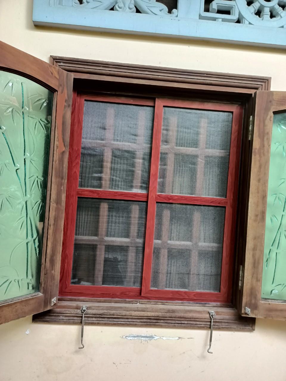 Cửa lưới chống muỗi inox khung nhôm màu Vân gỗ