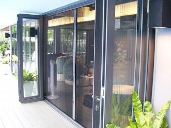 Cửa lưới chống muỗi là sự lựa chọn hoàn hảo cho nội thất gia đình bạn