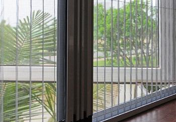 Cửa lưới chống muỗi quận là 1 giải pháp an toàn cho việc phòng tránh muỗi
