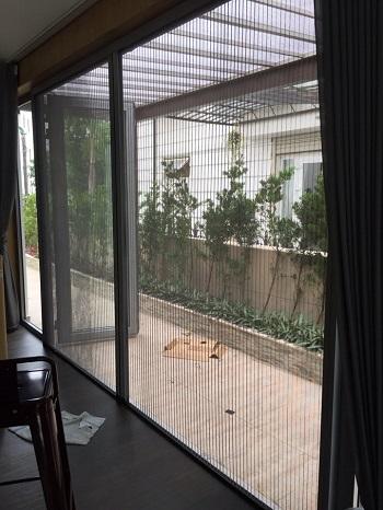 Cửa lưới chống muỗi xếp giá rẻ an toàn và hiệu quả vượt trội khi sử dụng