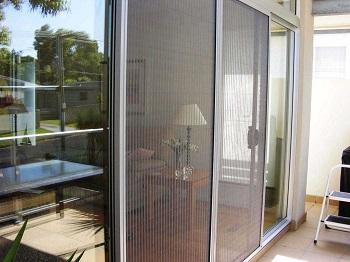 Cửa lưới chống muỗi xếp lựa chọn hoàn hảo cho không gian gia đình bạn