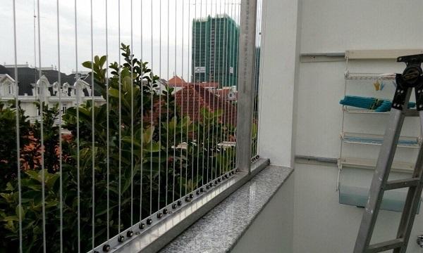 Hướng dẫn lắp đặt cửa lưới ban công chung cư