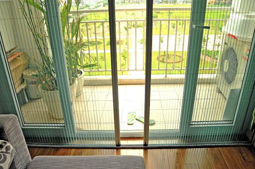 Lắp đặt cửa lưới chống muỗi cho nhà vườn và biệt thự