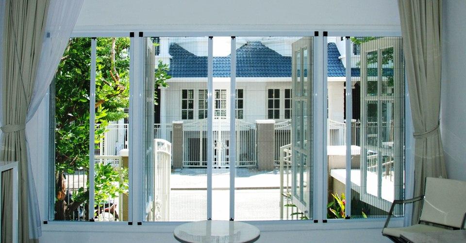 Lắp đặt cửa lưới chống muỗi sang trọng dành cho khách sạn cao cấp
