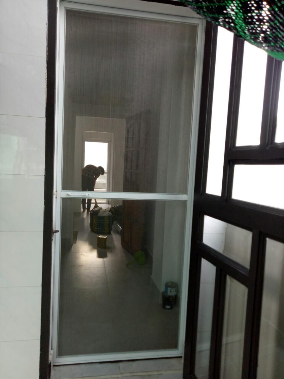 Những lưu ý khi lắp đặt cửa lưới chống muỗi