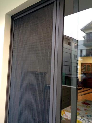 Sử dụng cửa luới chống muỗi lùa để biết khả năng chống muỗi đáng kinh ngạc