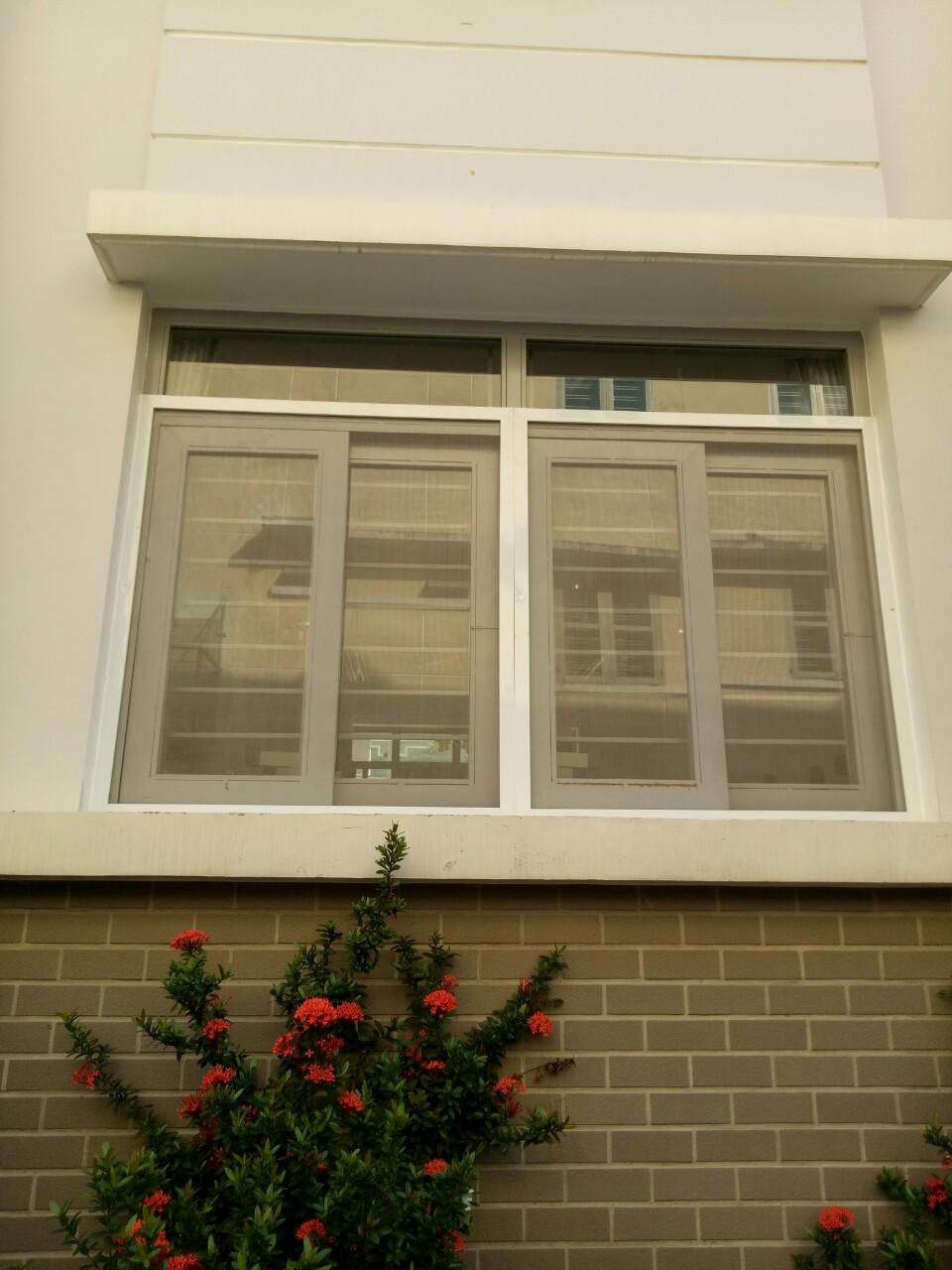 Tăng tính thẩm mỹ cho ngôi nhà và chống muỗi hiệu quả nhờ cửa lưới chống muỗi lùa