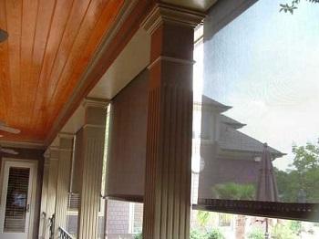 Thao tác dễ dàng với cửa lưới chống muỗi tự cuốn
