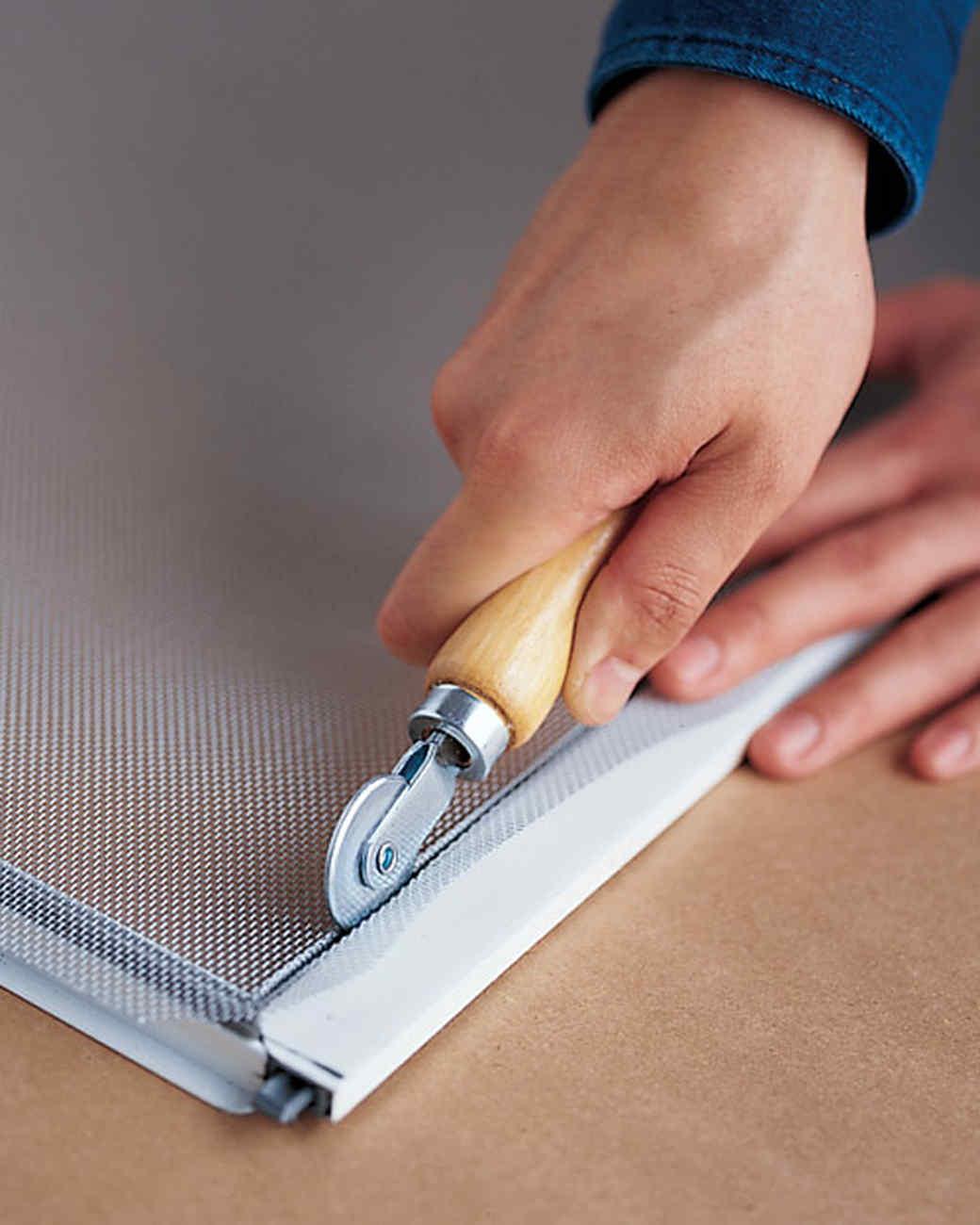 Tự làm cửa lưới chống muỗi tại nhà đơn giản dễ thực hiện